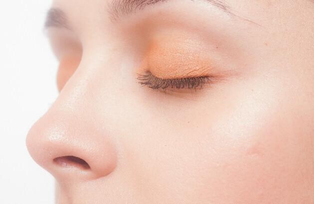 目がピクピクと痙攣する症状の原因と対処方法【眼瞼ミオキミア】